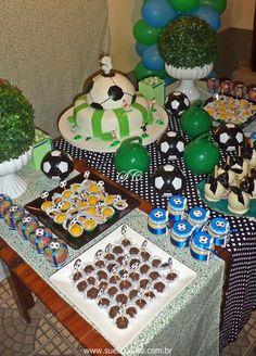Festa infantil Futebol - mesa de doces