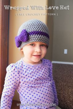 Crochet hat with bow - free pattern