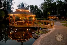 @RockyLakeEstate is an enchanting & rustic #wedding venue! https://elitebridalevents.wordpress.com/2014/11/13/exhibitor-highlight-rockys-lake-estate/