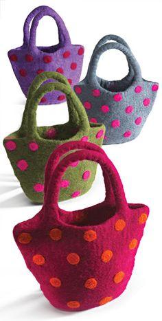 Handmade felt hand bag with dot design by Namaste - purse sale, black big handbags, handbags womens *ad Wet Felting Projects, Needle Felting Tutorials, Knitted Bags, Felted Bags, Felted Scarf, Felt Ball Rug, Felt Purse, Fabric Bags, Handmade Felt