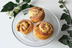 Apfel-Zimt-Schnecken | Glücksfrucht _ Zur Feier des Tages gibt es von mir Apfel-Zimt-Schnecken für euch.