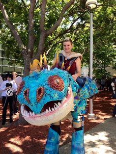 El mejor cosplay del mundo de Cómo entrenar a tu dragón: | 35 Disfraces geniales de Halloween para los amantes de las películas
