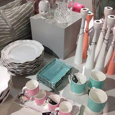 Lite pastellinspiration såhär när eftermiddagen går mot kväll. Trevlig kväll önskar vi! #roombutiken #inspiration #pastell #mint #rosa #littlejoseph #pantone #freemover #ståhl