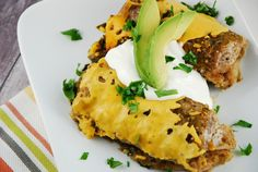 Checkout these delicious Slow Cooker Black Bean and Spinach Enchiladas at LaaLoosh.com. A fantastic Weight Watchers vegetarian recipe for just 5 Points + per serving.