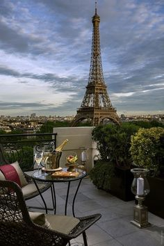Paris|Париж Torre Effiel, Torre Eiffel Paris, Shangri La Paris, Shangri La Hotel, Hotel Paris, Paris Hotels, City Aesthetic, Travel Aesthetic, Hotel Des Invalides