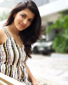 Beautiful Girl Indian, Beautiful Saree, Beautiful People, Beautiful Women, Malayalam Actress, Tamil Actress Photos, Hello Sunshine, India Beauty, Beautiful Actresses