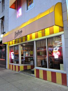 Cbus52: Columbus in a Year: Dirty Frank's Hot Dog Palace - Downtown Columbus