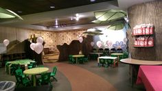 Celebrate your child's birthday with the butterflies at the Houston Museum of Natural Science. Play games, eat cake, and party smarty all in our bee-autiful Hive room!