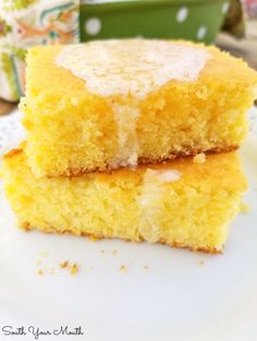 Spiffy Jiffy Cornbread | A spiffed up, semi-homemade recipe using Jiffy Cornbread mix, sour cream and real melted butter for a super moist and tender, absolutely perfect pan of cornbread. Jiffy Cornbread Recipe Sour Cream, Jiffy Cornbread Recipes, Homemade Cornbread, Sweet Cornbread, Casserole Recipes, Corn Muffin Mix, Corn Muffins, Stick Of Butter, Melted Butter