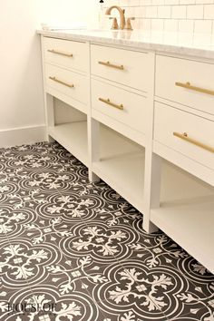 The House of Silver Lining: Design Tips: Chic Tile