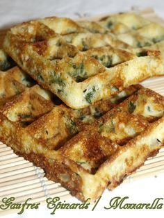 Gaufres aux épinards et mozzarella - Dans vos assiettes Brunch, Veggie Recipes, Mozzarella, Cooking Tips, Tapas, Breakfast Recipes, Food And Drink, Veggies, Snacks
