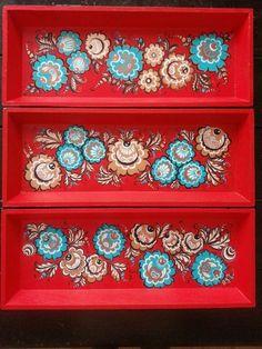 Gorodetskaya rospis Decorative Boxes, Artwork, Home Decor, Mesas, Art Work, Homemade Home Decor, Work Of Art, Decoration Home, Room Decor