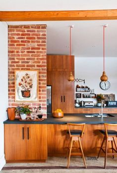 Chic+all+wood+kitchen+in+midcentury+modern+style