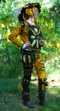 Woman in man's Landsknecht clothing