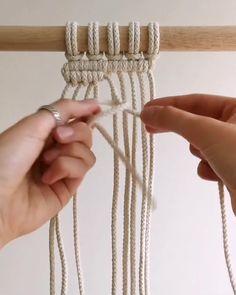 How To Macrame, Macrame Art, Macrame Design, Macrame Projects, Macrame Knots, Diy Projects, Macrame Plant Hanger Patterns, Macrame Wall Hanging Patterns, Macrame Plant Hangers