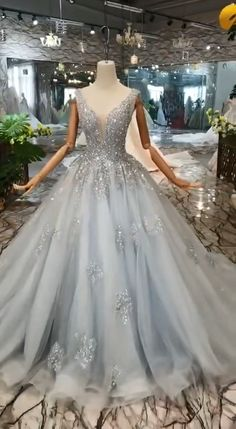 Shiny gorgeous ball gown prom dress, quinceanera dresses Source by lmariejger gowns prom Cute Prom Dresses, Pretty Dresses, Homecoming Dresses, Beautiful Dresses, Types Of Prom Dresses, Prom Gowns Elegant, White Quinceanera Dresses, Sweet 15 Dresses, Tulle Prom Dress