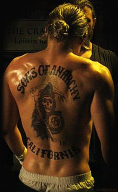Charlie Hunnam as Jax on SOA (man I love when my hubby pulls his hair back...sooo sexy)