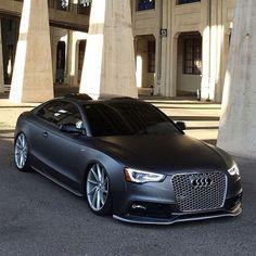 Matte Black Audi S5 cc: @bossthings_  Photo by @audis5fx