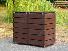 Mülltonnenbox Holz - Holzweise Outdoor Trash Cans, Garbage Containers, Outdoor Furniture, Outdoor Decor, Outdoor Storage, Dom, Storage Ideas, Hide Trash Cans, Fine Dining