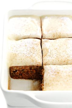 This carrot cake bars recipe is easy to make, perfectly lightly spiced and full of fresh carrots, and topped with the most heavenly cream cheese frosting. Carrot Cake Bars, Homemade Carrot Cake, Homemade Breads, Gimme Some Oven, Classic Desserts, Cupcake Cakes, Cupcakes, Poke Cakes, Layer Cakes