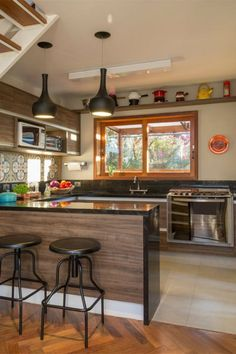 Browse photos of Small kitchen designs. Discover inspiration for your Small kitchen remodel or upgrade with ideas for organization, layout and decor. Kitchen Decor, House Design, Interior Design Kitchen, Small Kitchen, Home Kitchens, Home, Kitchen Design Small, Minimalist Kitchen, Home Decor