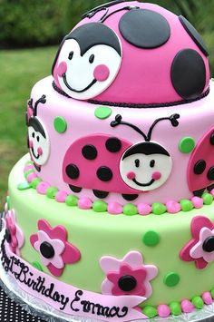 pink ladybugs... @Rachael Giertz. I hate to think about Ps 1st bday just yet... but this is super cute!