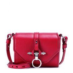 """Givenchy - Schultertasche Obsedia aus Leder - Kein Piece verkörpert die Givenchy-Ästhetik, bei der Pariser Chic auf urbanen Edge trifft, so unnachahmlich wie die """"Obsedia"""" Tasche, die mit ihrem Powermix aus burgunderrotem Leder, der toughen Signature-Hardware und einem cleanen Format ein beliebter Klassiker des Luxuslabels ist. seen @ www.mytheresa.com"""