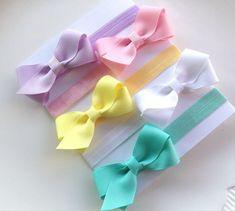 Primavera colores conjunto de diadema lazo por MyPreciousBoutique Baby Girl Bows, Baby Girl Headbands, Elastic Headbands, Ribbon Hair Bows, Diy Ribbon, Handmade Hair Bows, Bow Tutorial, Diy Headband, Diy Bow