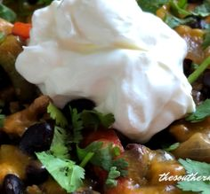 This easy baked nachos recipe is definitely a staple in our house. We love this recipe for dinner or for a gathering. It's so easy and flavorful! Hamburger Meat Recipes, Pork Recipes, Mexican Food Recipes, Healthy Recipes, Hamburger Pie, Potato Recipes, Healthy Meals, Yummy Recipes, Healthy Eating