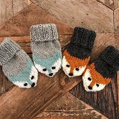 Fox mittens Ravelry: Fox mittens pattern by Eva Norum Olsen Record of Knitting String rotating, weaving and stitching jobs such as f. Baby Mittens Knitting Pattern, Baby Knitting Free, Knit Mittens, Knitting For Kids, Knitting Projects, Knitting Tutorials, Fingerless Mittens, Loom Knitting, Hand Knitting