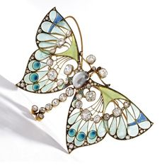 GOLD, DIAMOND, PEARL AND PLIQUE-À-JOUR ENAMEL BUTTERFLY PENDANT-BROOCH, VEVER, PARIS, CIRCA 1900