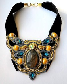 Repost @kristinarumsaite by @media.repost: #handmadejewelry #soutache #handmadenecklace #kolye #labradorite