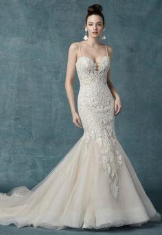 Fit And Flare Wedding Dress, Wedding Dress Sizes, Bridal Dresses, Wedding Gowns, Formal Dresses For Weddings, Formal Wedding, Designer Wedding Dresses, Dream Wedding, Wedding Ideas