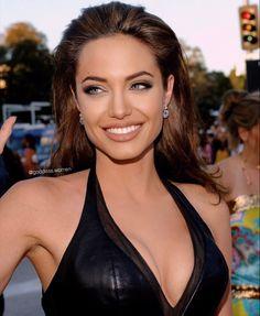 Angelina Jolie Fotos, Angelina Jolie Makeup, Angelina Joile, Angelina Jolie Pictures, Angelina Jolie Style, Beyonce, Pretty People, Beautiful People, Style Tumblr