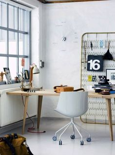 Matress as Pinboard  An industrial edge to this Scandanavian style office? If you don't have that much room to spare, try using a spring base from a cot instead of a full-size bed.