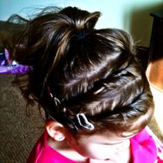 Simple simple simple kids hair! Just twist and add :)