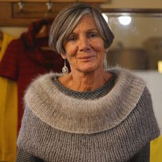 Capes for women hand knitted in alpaca wool, Oversized grey sweater poncho, Gift for woman Poncho Knitting Patterns, Crochet Poncho Patterns, Knitted Poncho, Hand Knitting, Crochet T Shirts, Crochet Clothes, Knit Crochet, Oversized Grey Sweater, Capes For Women