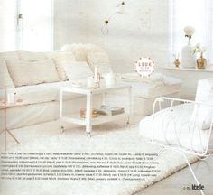 A white deep pile MARCJANSSEN rug in a fully withe room. Just for the photo or would you dare to do this in real life?