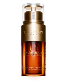Clarins Double Serum Complete Age Control Concentrate is an all-round anti-ager that has earned cult status in the beauty world. It targets radiance, wrinkles, elasticity, pores and hydration, essentially everything you need for healthy-looking skin. Serum Anti Age, Creme Reparatrice, Best Face Serum, Nuxe, Even Out Skin Tone, Facial Serum, Tips Belleza, Anti Aging, Lotions