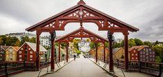Old Town Bridge with Lykkens portal towards Bakklandet. #travel #norway Photo: Jan Ove Iversen www.overpari.no