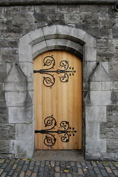 Church Door- absolutely gorgeous door! Wonder if Heath and I can put our heads and ingenuity together and get something like this out of it?!?