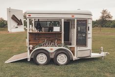Our converted horse trailer bar is everything you never knew you needed! This vintage trailer makes the perfect statement piece at your wedding or special event. Small Trailer, Food Trailer, Mobile Bar, Mobile Shop, Converted Horse Trailer, Horse Box Conversion, Coffee Food Truck, Prosecco Van, Mobile Coffee Shop