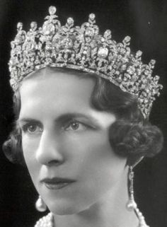 catherine of cambrdge tiara | Royal jewels - Queen Frederika tiara.jpg | Historical glamour