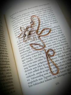 Flower bookmark - useful gifts - wire bookmark handmade - page marker - book lovers gift - wire wrapped bookmark - unique gift