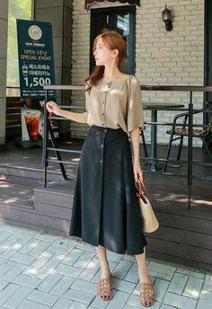 I really love this.. #workkoreanfashion Long Skirt Fashion, Women's Fashion Dresses, Modest Fashion, Womens Fashion Casual Summer, Trendy Fashion, Fashion Ideas, Fashion Styles, Ladies Fashion, Feminine Fashion