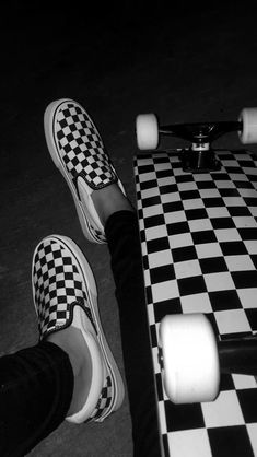 Best Picture For Skateboarding illustration For Your Taste You are looking for something, and it is … Skateboard Tumblr, Skateboard Design, Skateboard Girl, Penny Skateboard, Carver Skateboard, Skateboard Videos, Skateboard Parts, Moda Skate, Cruiser Skateboard