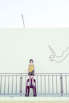 """☞ Série mode """"Le Grand Bain"""" publiée dans le MilK N°48  Photographe : Tim Marsella Style et set design  : Julie Vianey Directeur artistique : Chloe Lloyd Mise en beauté : Isabelle Bertrand"""