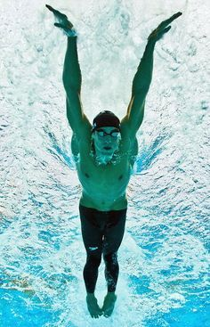 Michael Phelps is the greatest olympian in history. he just became a daddy of his son Boomer Robert Phelps. Swimming World, I Love Swimming, Swimming Diving, Swimming Rules, Scuba Diving, Olympic Swimmers, Olympic Gymnastics, Olympic Games, Rio Olympics 2016