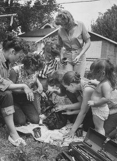 All Girl Hot Rod Club, Kansas City 1959 (photo by Francis Miller)