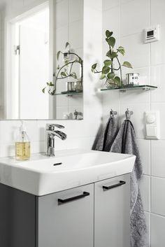Comfort Room, Room Interior, Interior Design, Tiny Bath, Dream Apartment, Bathroom Styling, Double Vanity, Small Bathroom, Sweet Home